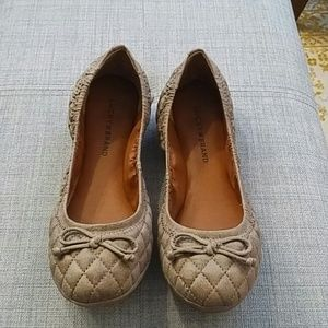Lucky Brand Taupe flats with bow